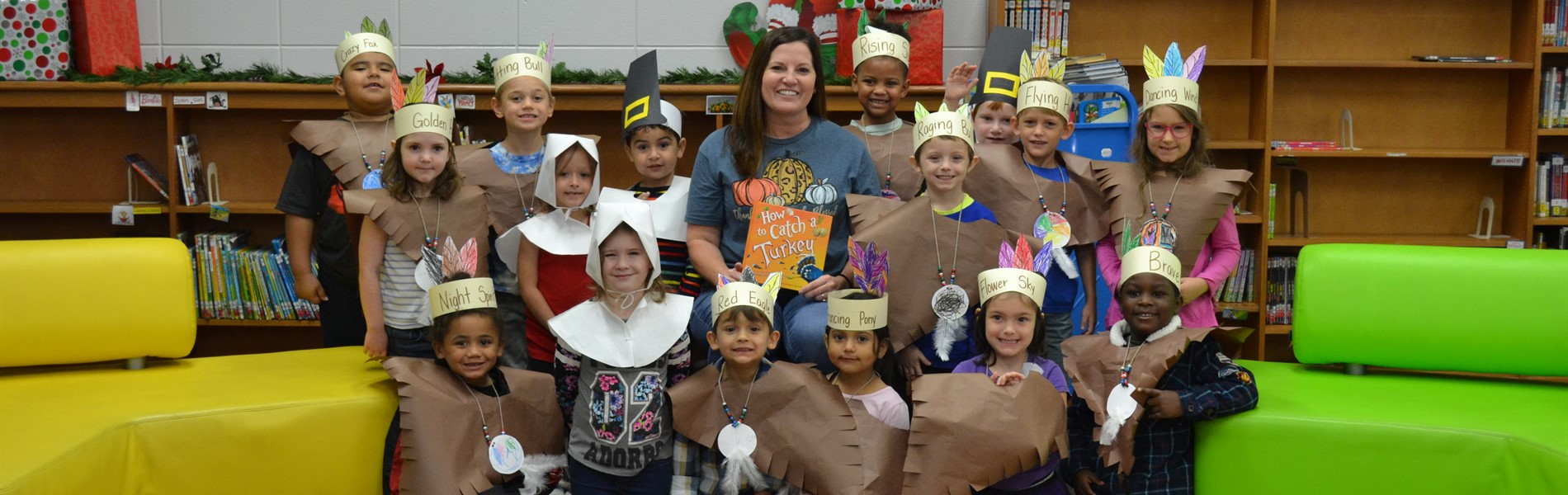 Media specialist with kindergarten pilgrims and indians